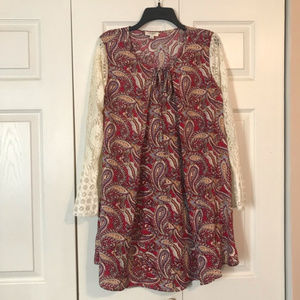 UMGEE Medium Red Paisley Dress Lace Bell Sleeves